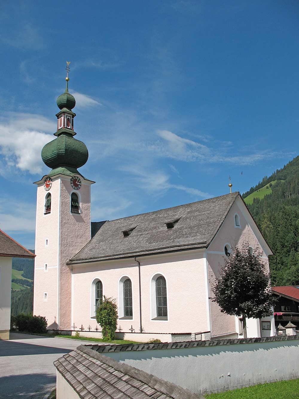 Kath. Pfarrkirche St. Nepomuk in Auffach