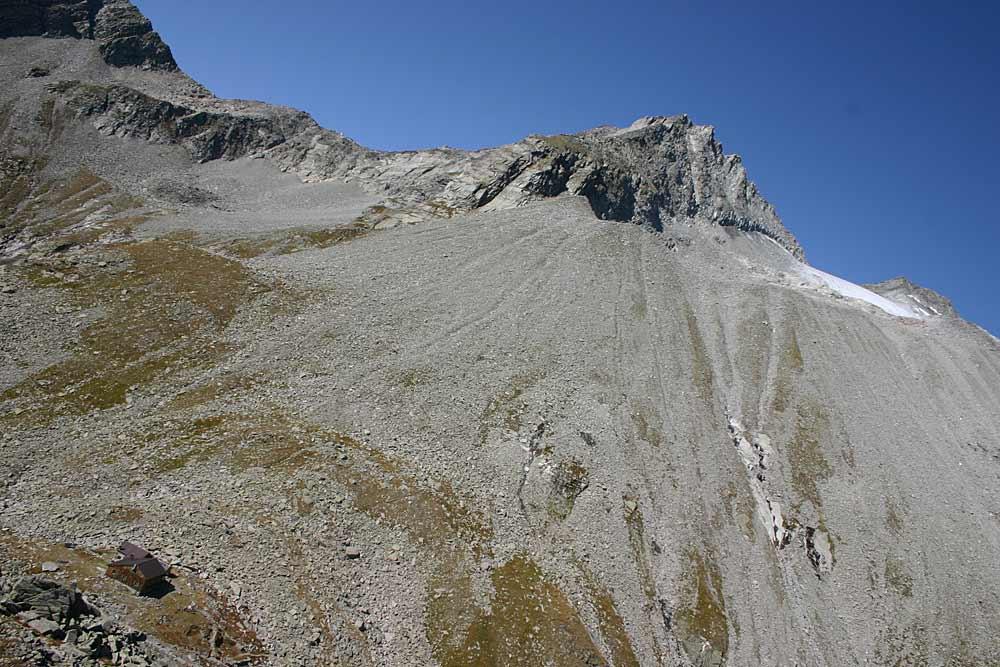 Blick auf die Edelrauthhütte am Hohen Weißzint