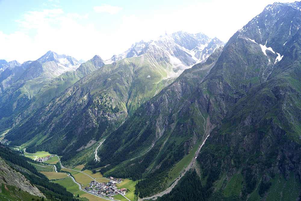 Blick auf Plangeross und Weißtal in den Ötztaler Alpen