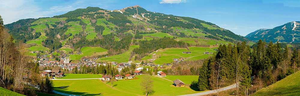 Panoramaaufnahme von Hopfgarten im Brixental