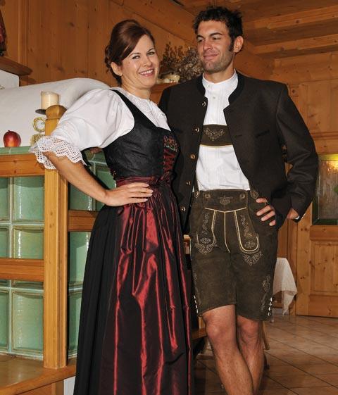 Paar in Tiroler Tracht