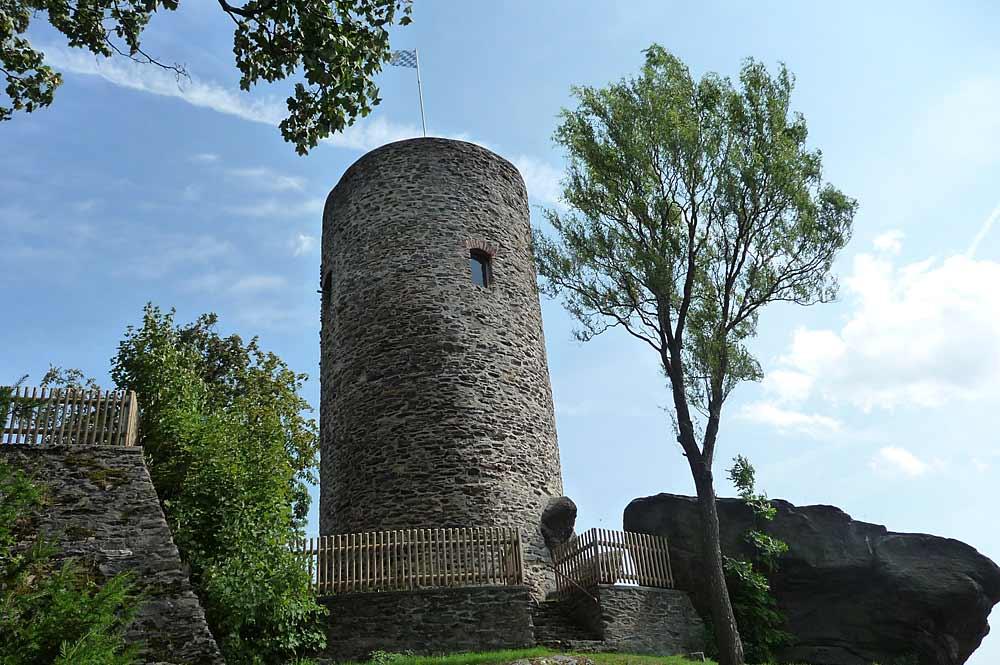 Burgfried Drachenturm der Burgruine Treffelstein