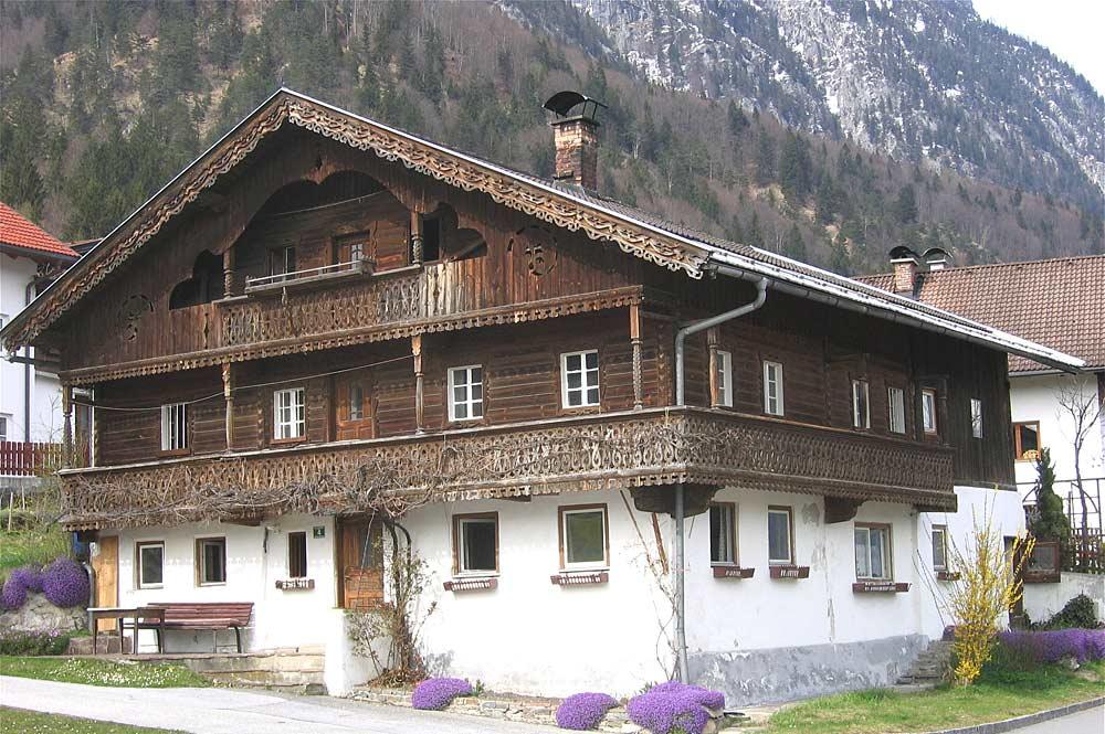 Fassade eines Bauernhauses in Langkampfen