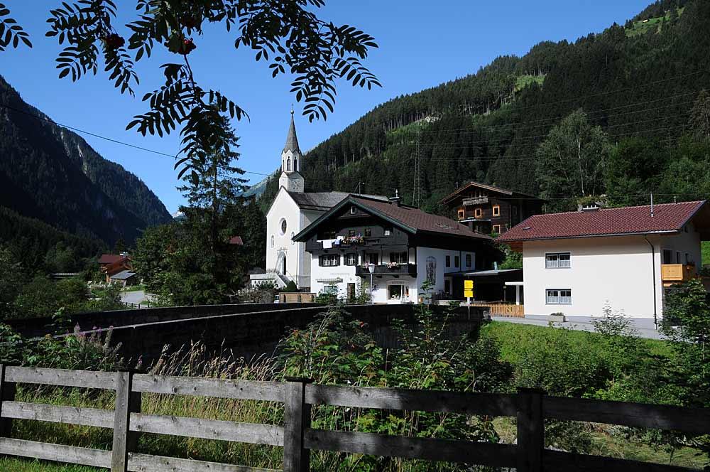 Pfarrkirche Mariä Himmelfahrt in Ginzling
