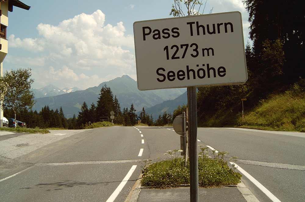 Schild am Pass Thurn mit falscher Seehöhe