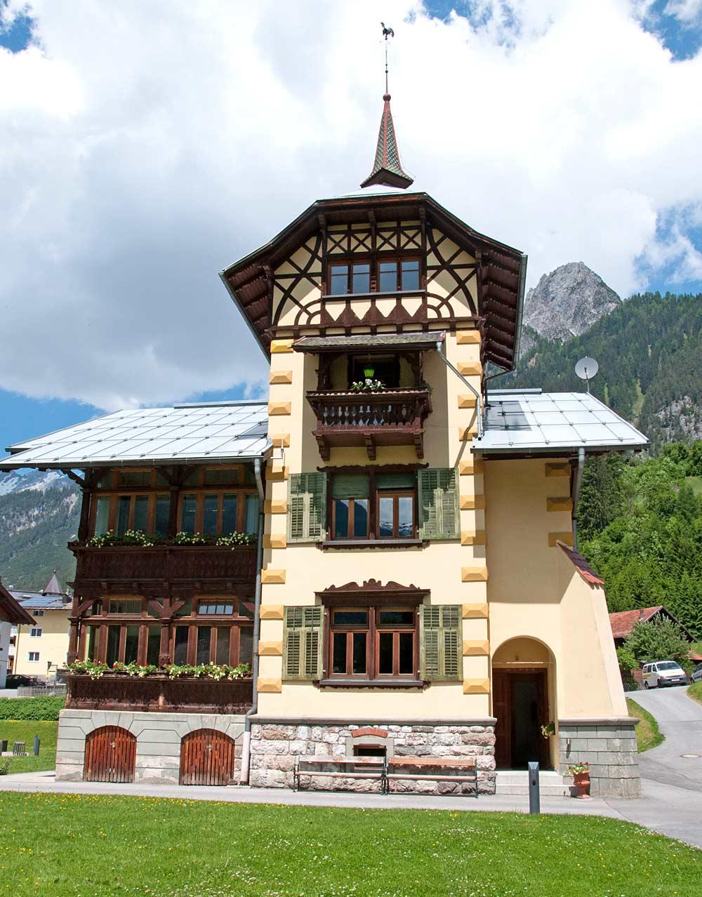 Fassade der Villa Draxl in Flirsch