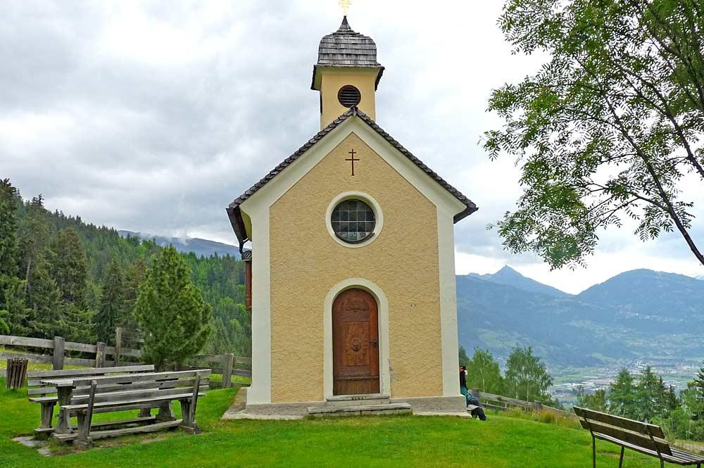 Blick auf das Reiterkirchl in Leisach