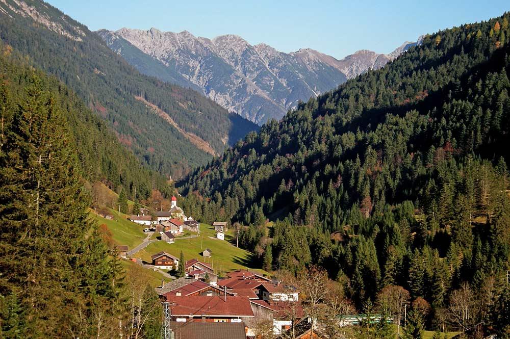 Blick auf Hinterhornbach im Hornbachtal