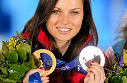 Anna Fenninger mit Olympia-Medaillen