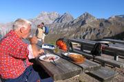 Pause auf der Pfälzerhütte im Fürstentum Liechtenstein