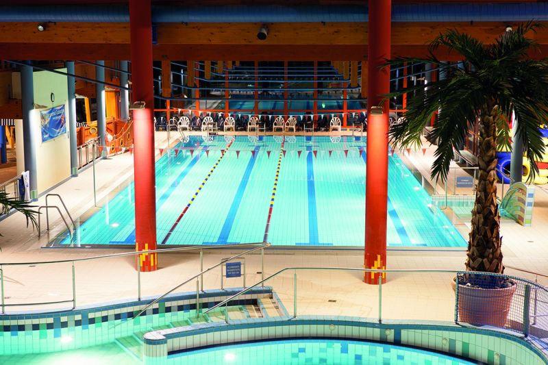 Das Schwimmerbecken in der Erlebniswelt Wonnemar