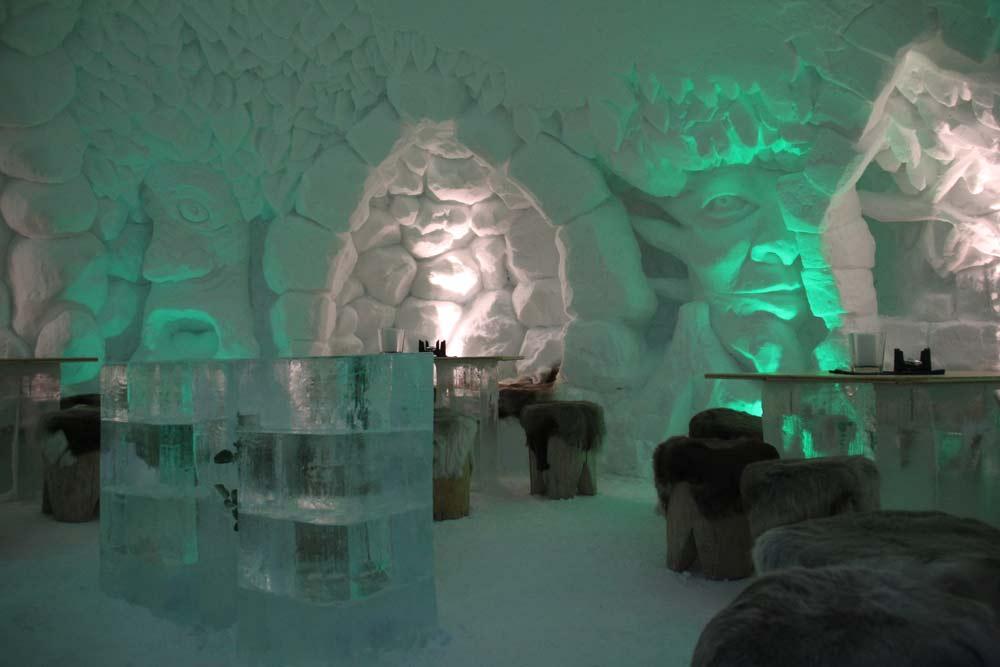 Die Eisbar der IgluLodge