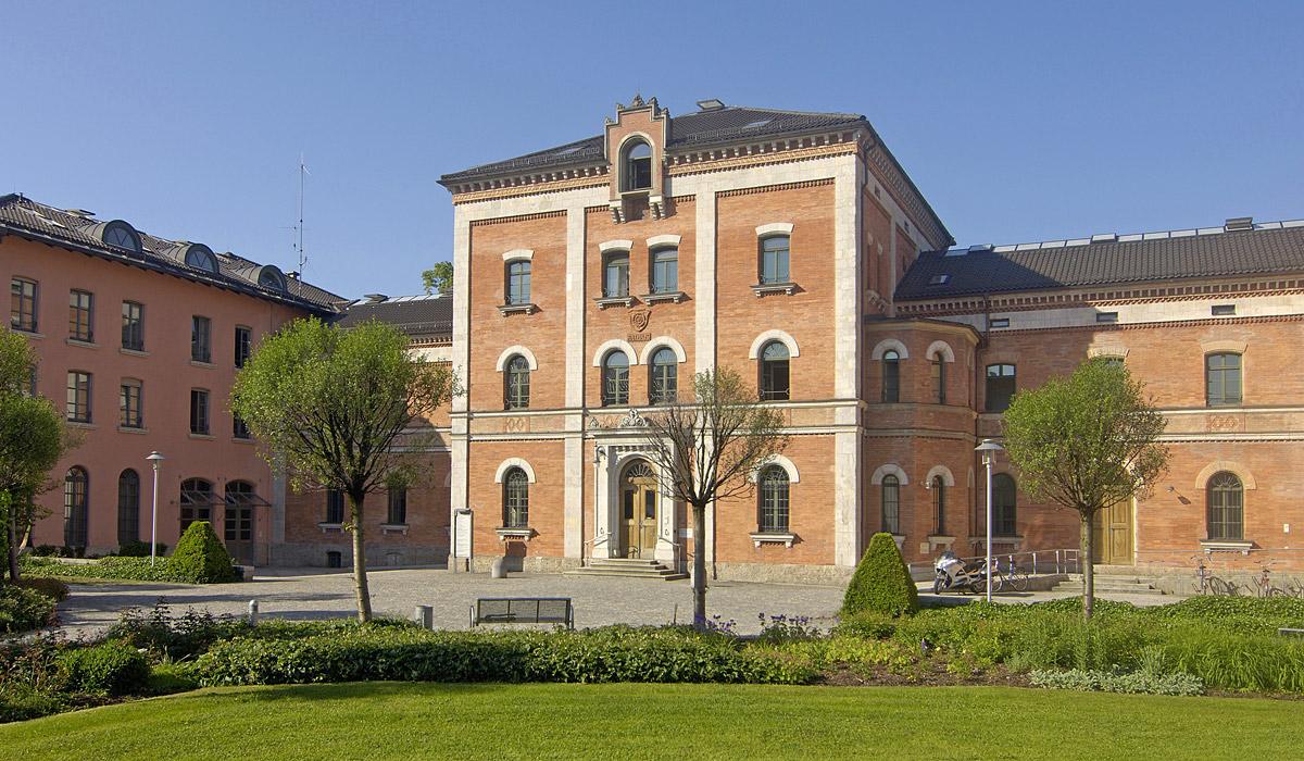 Das Rosenheimer Rathaus dient als Kulisse der Fernsehserie Rosenheim Cops © Stadt Rosenheim