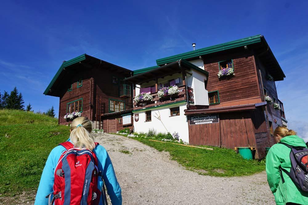 Themenwanderung, vorbei am Weinbergerhaus auf 1272 m