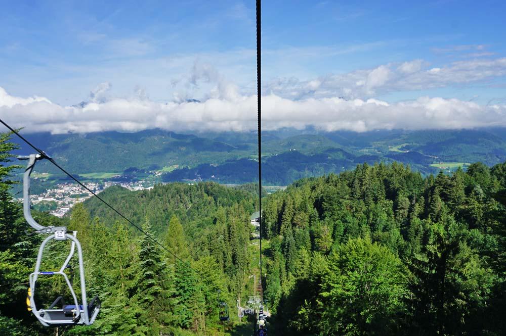 Fahrt mit dem Kaiserlift zum Naturschutzgebiet Kaisergebirge