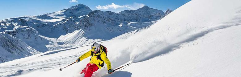 Skifahrer auf dem Grande Motte-Gletscher