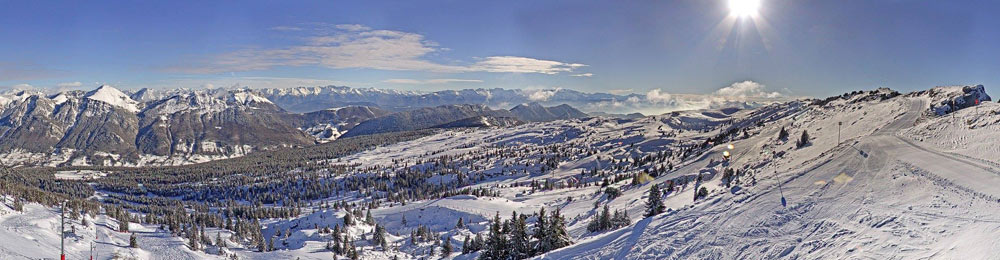 Panoramablick vom Skigebiet Aillons-Margériaz