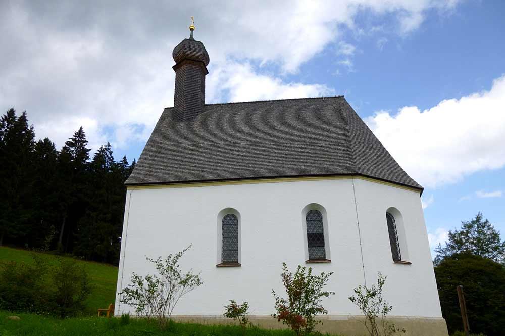 Die Kapelle St. Leonhard am Kapellenberg in Sankt Englmar