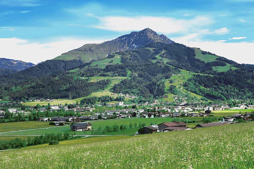 Kitzbüheler Horn von St. Johann in Tirol gesehen