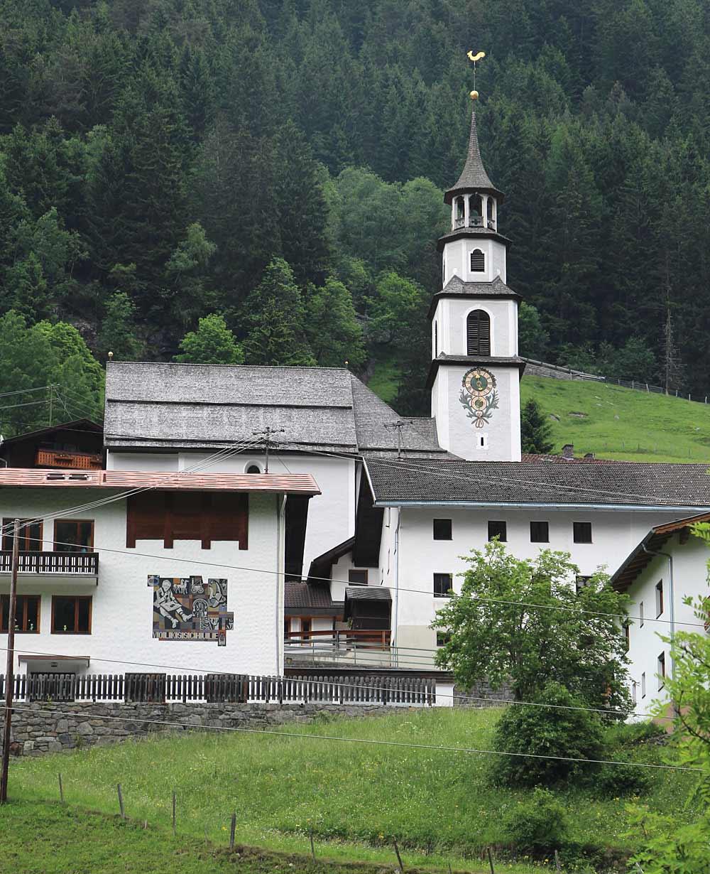 Blick auf die Expositurkirche Hl. Josef und den Friedhof bei Zaunhof