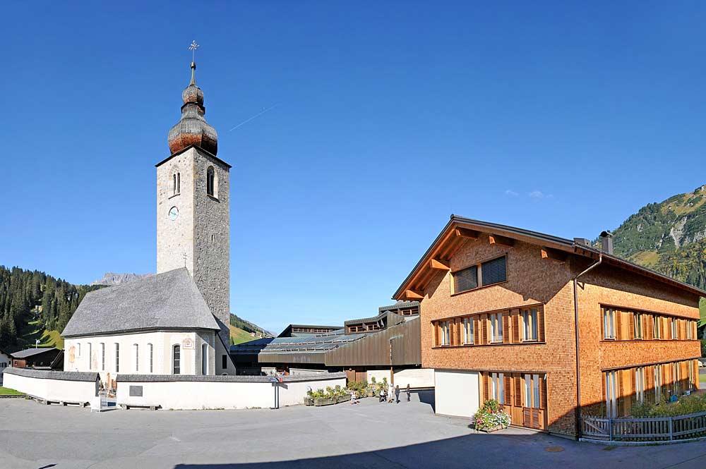 Die Pfarrkirche St. Nikolaus in Lech am Arlberg