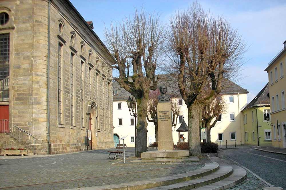Geburtshaus und Statue von Jean-Paul in Wunsiedel