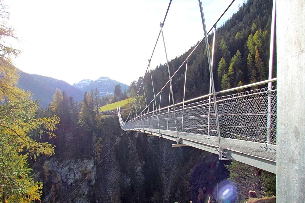 Fußgänger-Hängebrücke in Holzgau