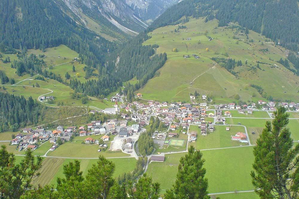 Blick auf die Gemeinde Holzgau