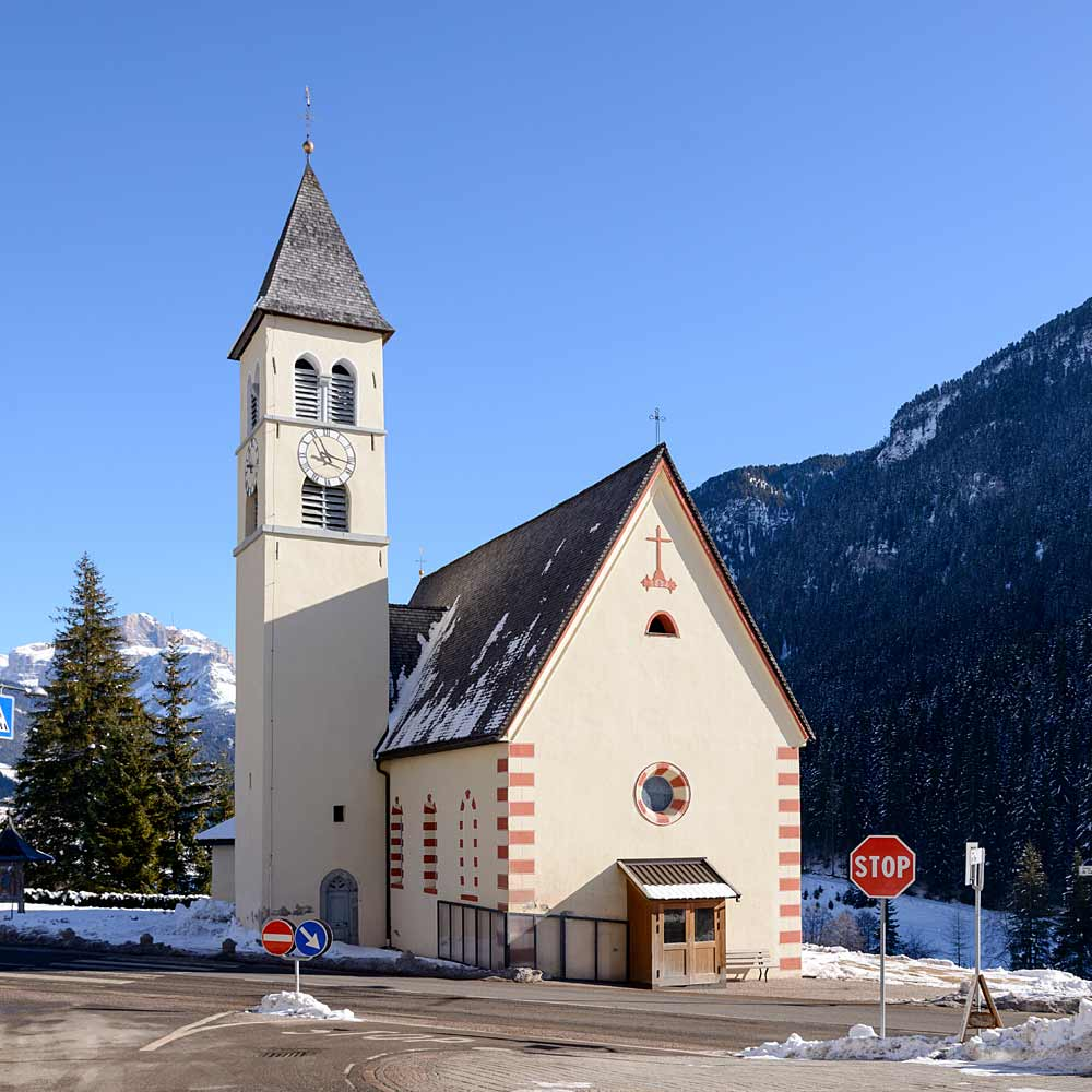 Die Pfarrkirche Santa Maria Maddalena in Mazzin