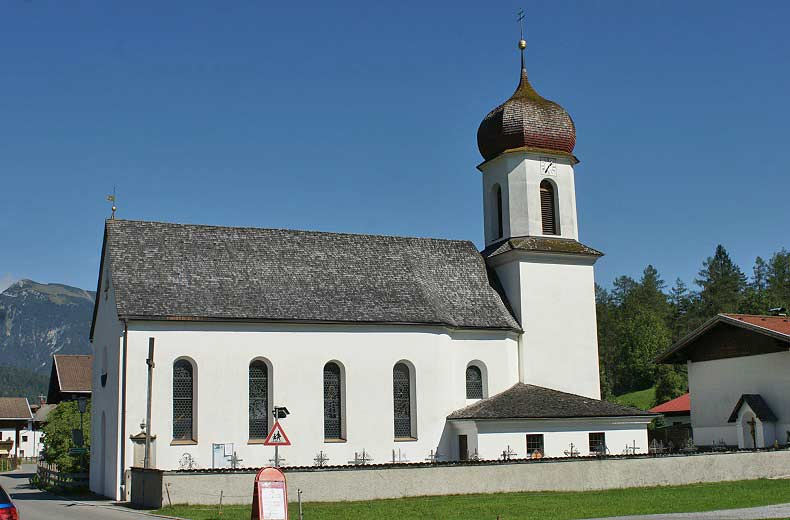 Expositurkirche Hl. Sebastian mit Friedhof