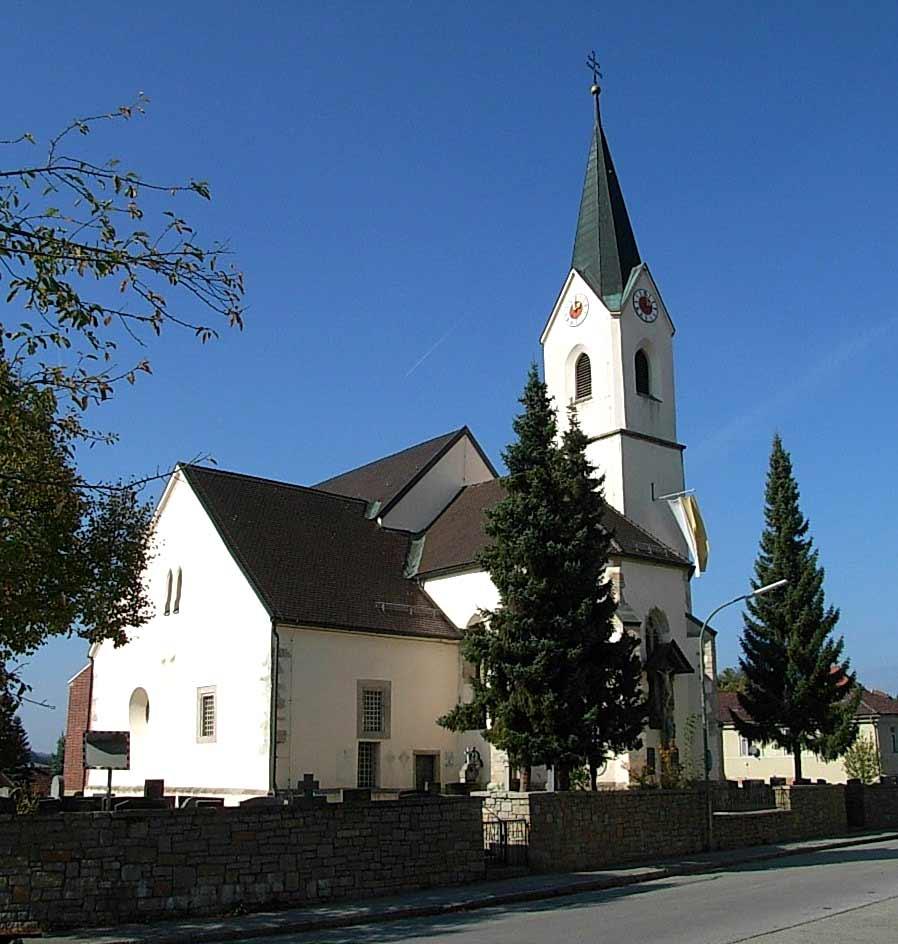 Die katholische Pfarrkirche St. Margaretha in Tiefenbach