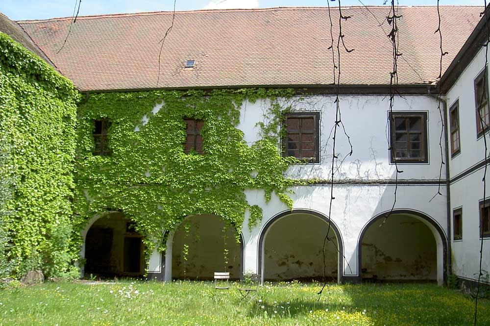 Hinterer Hof des Klosters Schönthal
