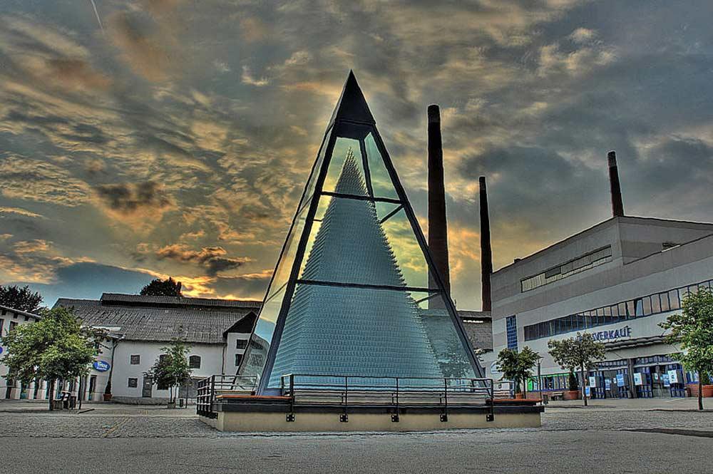 Kristallglas-Pyramide in Zwiesel