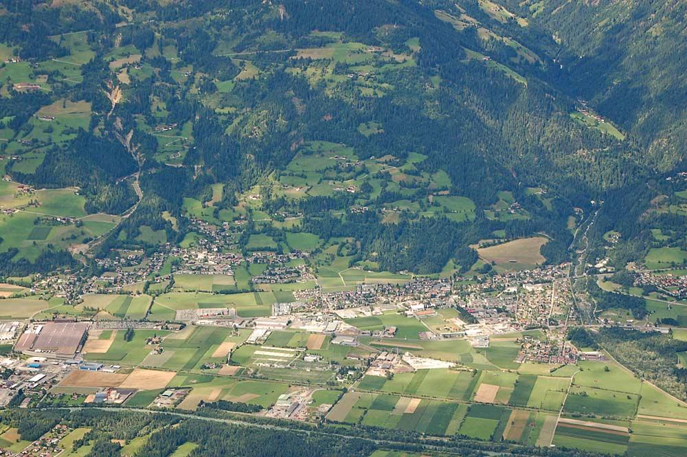 Luftaufnahme von Nußdorf-Debant, gesehen von der Laserzwand