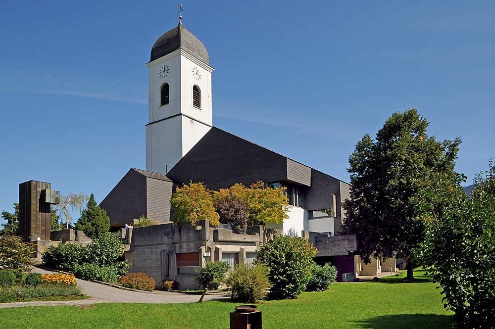 Katholische Pfarrkirche St. Luzius in Göfis