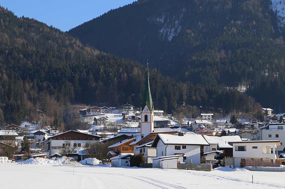 Blick auf Bad Häring und die Pfarrkirche Johannes Baptist