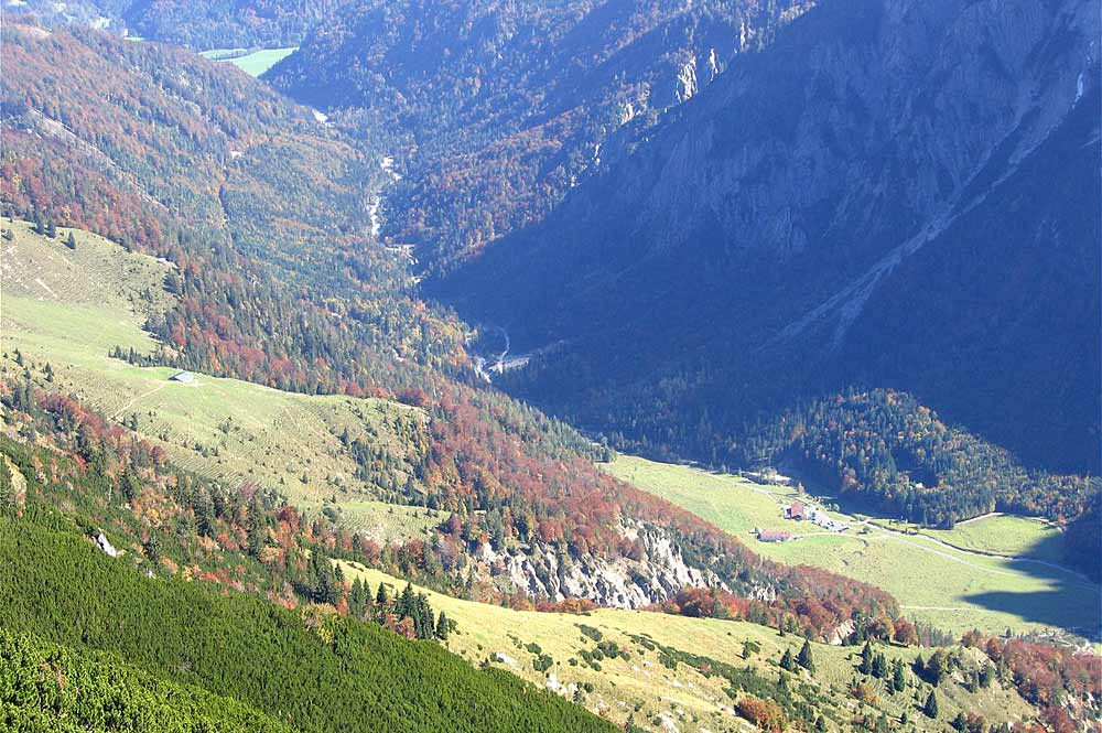 Blick ins Kaiserbachtal vom Feldberg aus gesehen