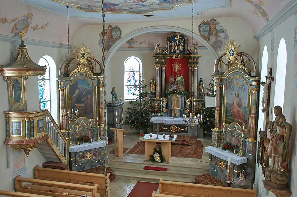 Innenansicht der Pfarrkirche Unsere Liebe Frau Mariä Namen in Jungholz