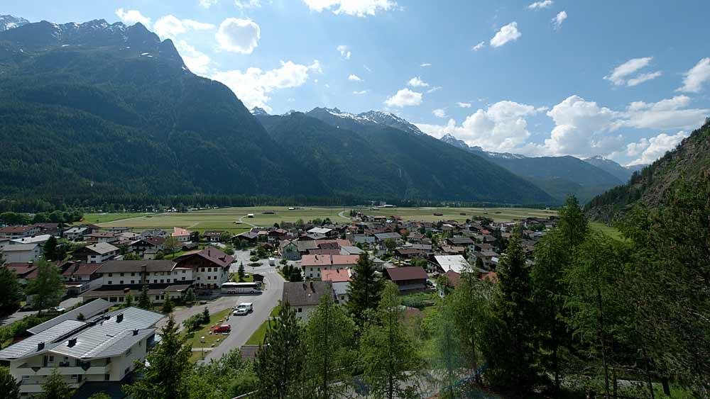 Blick auf die Gemeinde Längenfeld in Ötztal