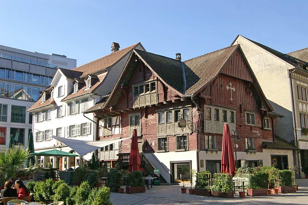 Das hölzerne Rote Haus am Marktplatz von Dornbirn