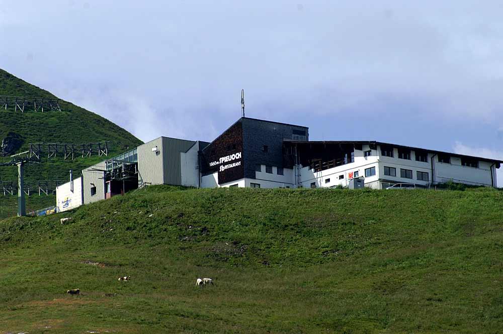 Blick auf die Bergstation der Spieljochbahn