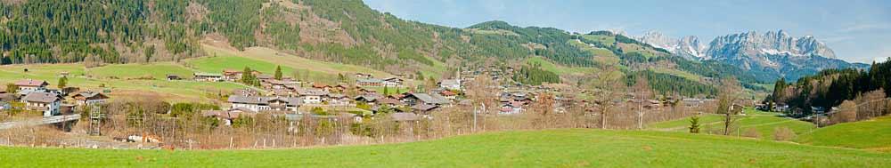 Panoramablick auf Reith bei Kitzbühel