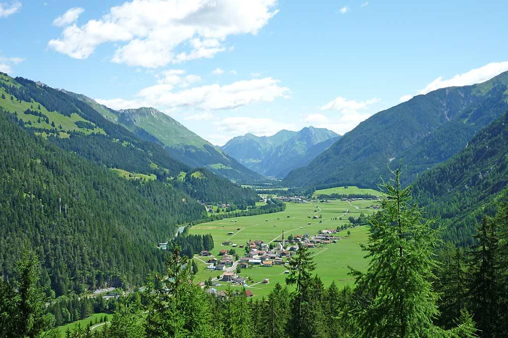 Naturpark Lechtal mit Blick auf Stockach und Bach