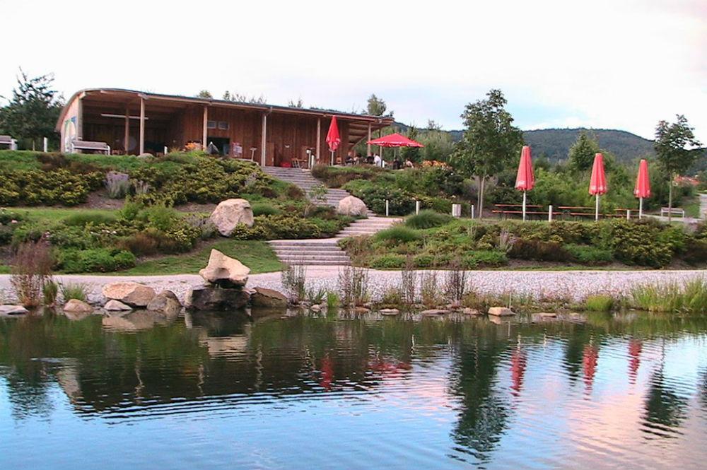 Der Kurparkpavillon im Feng-Shui Kurpark in Lalling