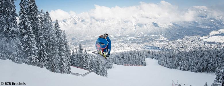 Skifahrer auf der Kandahar-Abfahrt in Garmisch-Classic