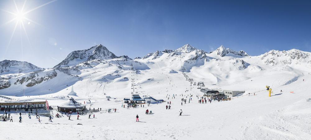 Blick ins Skigebiet am Stubaier Gletscher