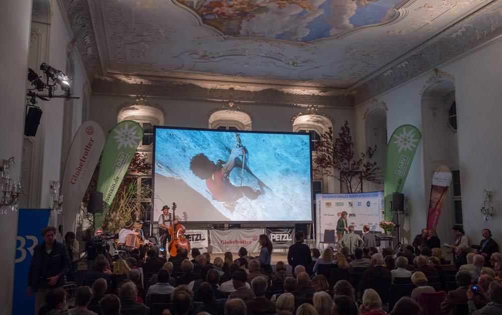 Filmvorführung im Barocksaal beim Bergfilm-Festival Tegernsee