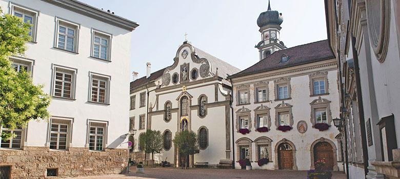 Außenansicht des Rathauses in Hall in Tirol