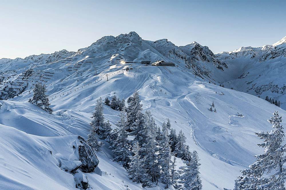 Panoramablick auf das Skigebiet Silvretta Montafon