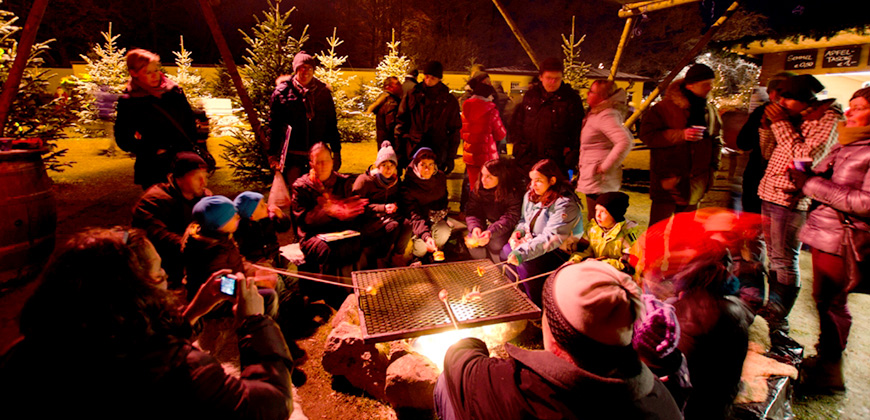 Grillfeuer am Hellbrunner Adventzauber